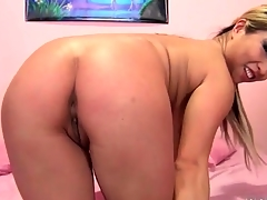 Curvy Asian Mia Ryder throats his bushwa