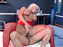 Keni Styles is horny and cant wait common man on touching beside bang eye-popping Alura Jensons pussy hole